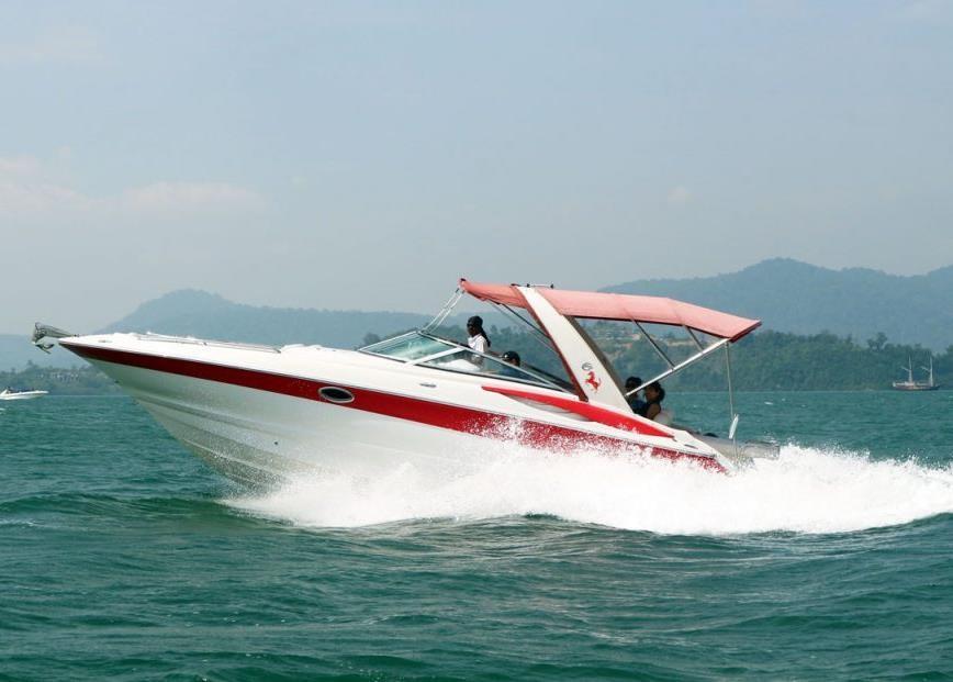 32 ft. Crownline Speedboat